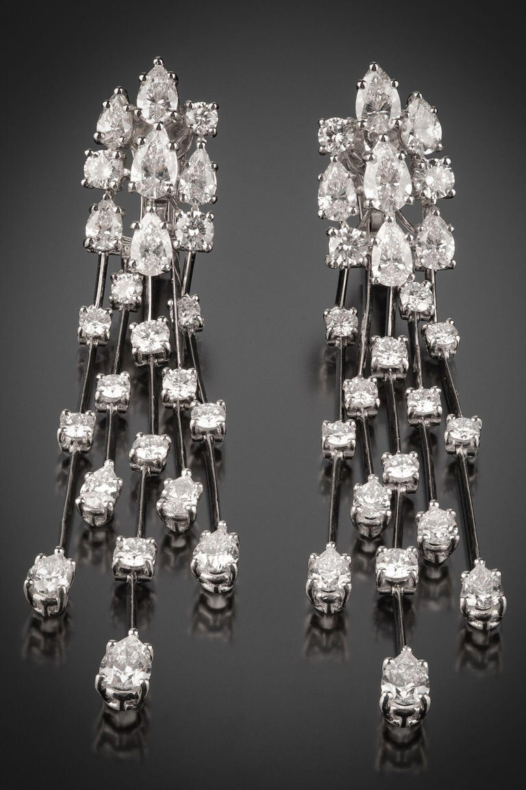Graff Waterfall Drop Diamond Earrings In Excellent Condition For Sale In 02114, MA