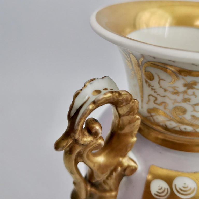 Grainger Worcester Porcelain Vase, Lilac, View of Hagley, Regency Empire a 1820 For Sale 6