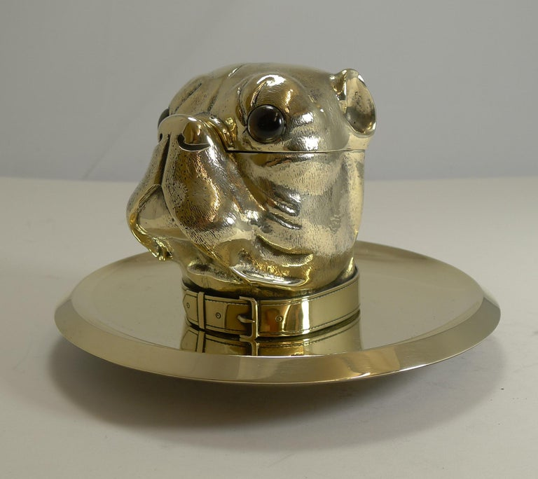 Grand English Bulldog Novelty Inkwell with Glass Eyes, circa 1880 For Sale 1