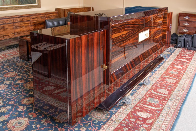 Grand French Art Deco Sideboard In Excellent Condition For Sale In Houston, TX