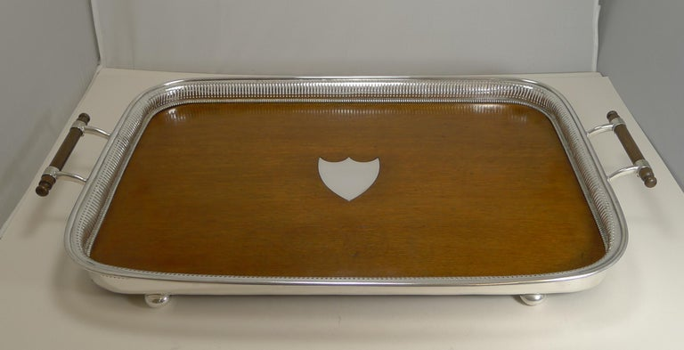 Edwardian Grand Large Antique English Oak and Silver Plate Drinks / Serving Tray For Sale