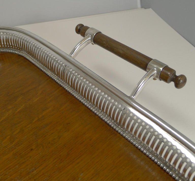 Early 20th Century Grand Large Antique English Oak and Silver Plate Drinks / Serving Tray For Sale
