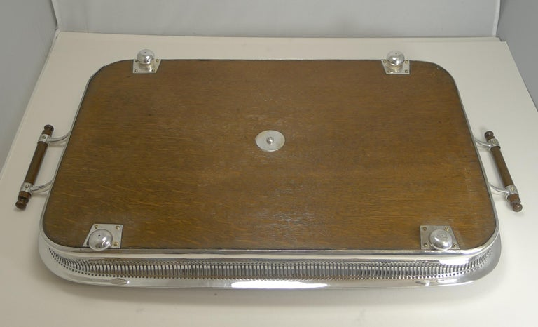 Grand Large Antique English Oak and Silver Plate Drinks / Serving Tray For Sale 1