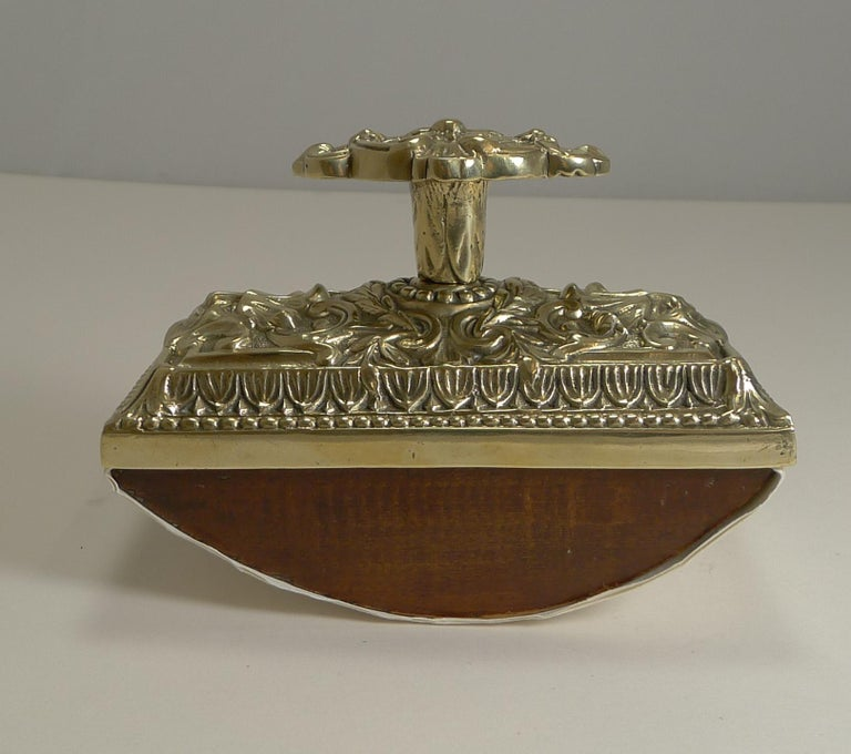 Late 19th Century Grand Large English Cast Brass Rocking Blotter, circa 1880 For Sale