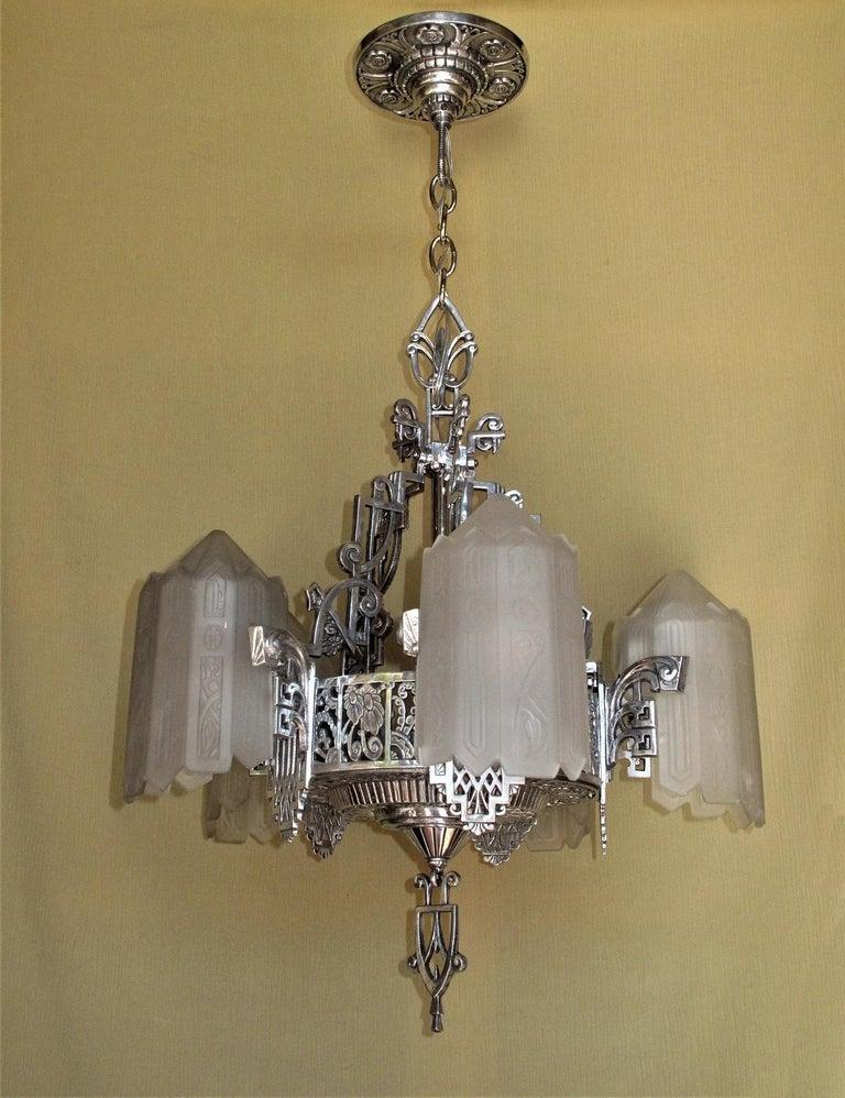 Grande Dame of American Art Deco Lighting, circa 1932 In Good Condition For Sale In Prescott, AZ