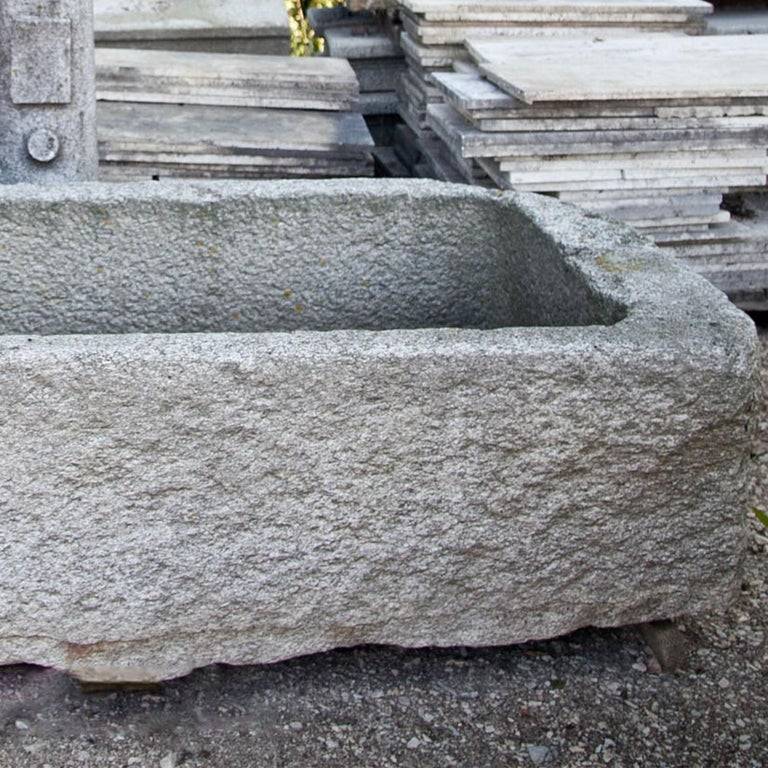 Granite Fountain Basin, 18th Century In Good Condition For Sale In Greding, DE