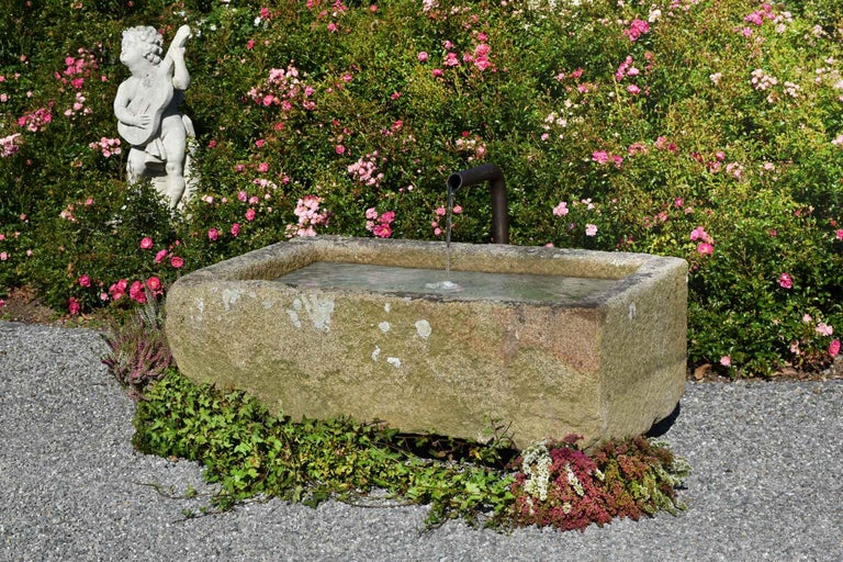 Granite Trough, France, 18th-19th Century In Good Condition For Sale In Gonten, CH