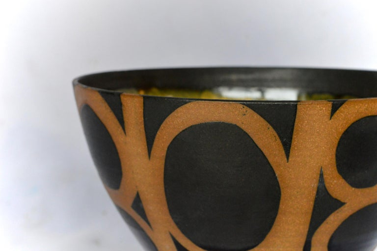 American Graphic Ceramic Bowl by Liz Kinder For Sale