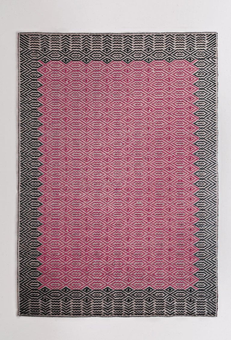 Contemporary Graphic, Duo-Tone Allover Carpet in Hand-Tufted Sardinian Wool For Sale