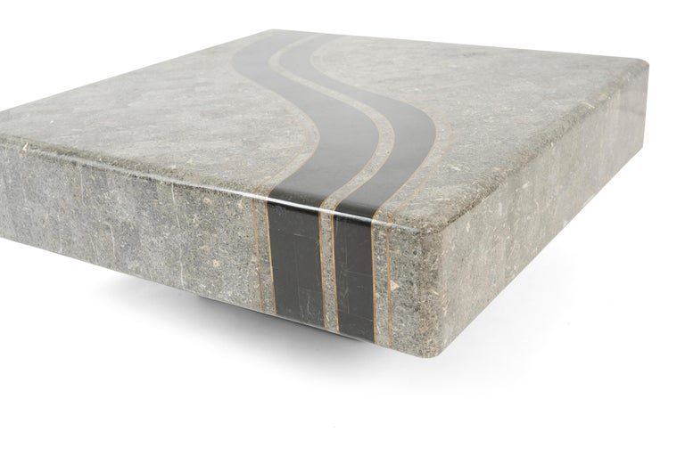 Graphic Tessellated Marble Coffee Table In Excellent Condition For Sale In Chicago, IL