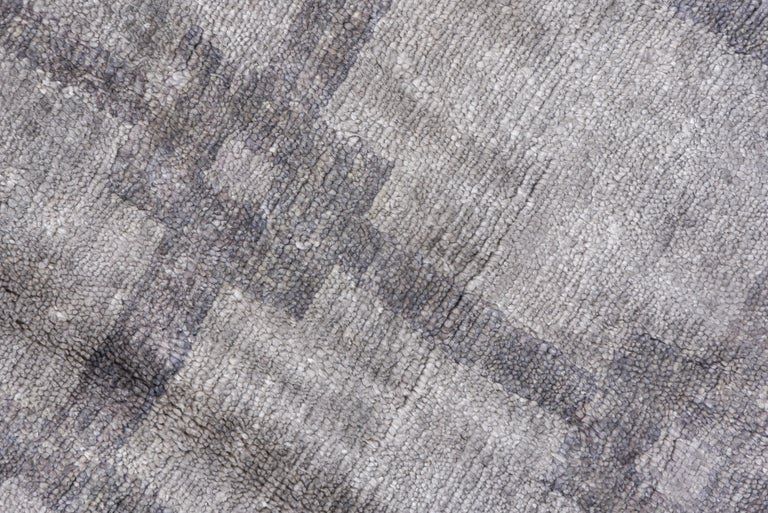 Gray and Silver Modern Hand Knotted Viscose Carpet In Good Condition For Sale In New York, NY