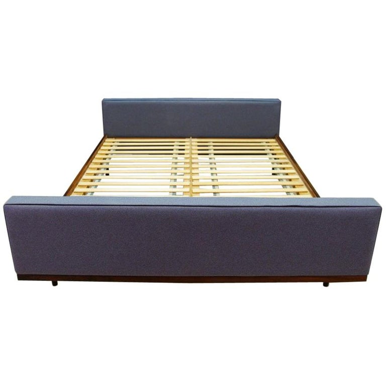 Gray Bed Rosewood Classic Vintage Retro, 1970s For Sale