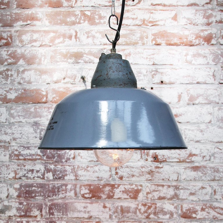 Gray Enamel Vintage Industrial Clear Glass Cast Iron Pendant In Good Condition For Sale In Amsterdam, NL