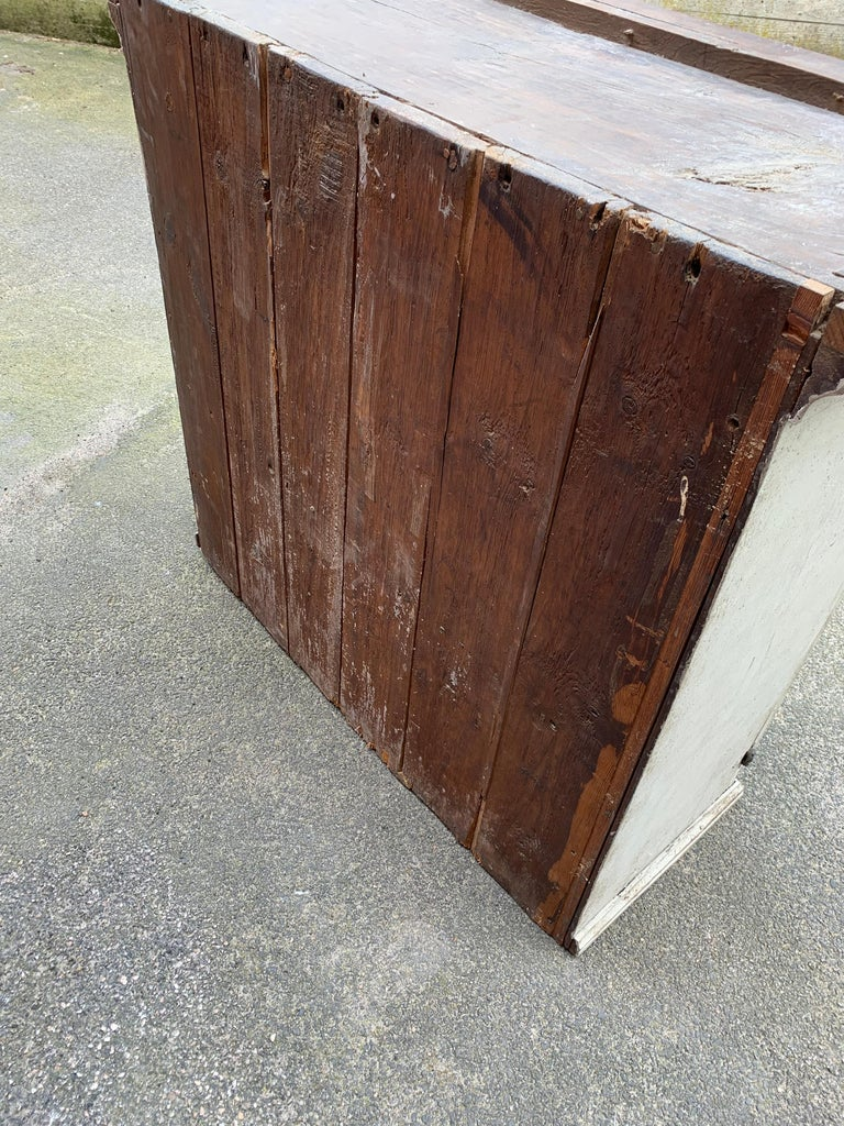 Gray Painted Gustavian Two-Piece Cabinet or Cupboard, Sweden, Early 19th Century For Sale 12