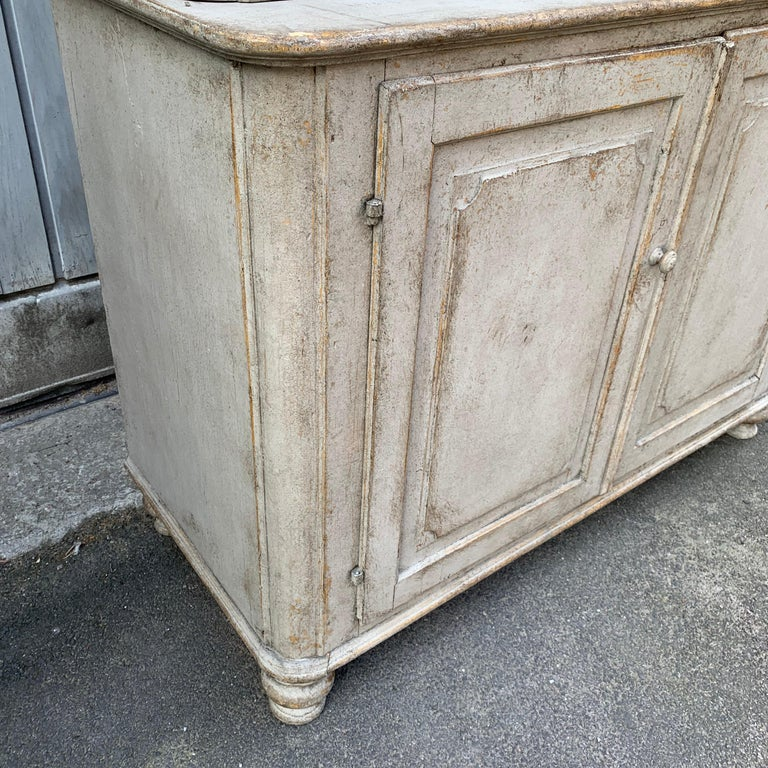 Gray Painted Gustavian Two-Piece Cabinet or Cupboard, Sweden, Early 19th Century For Sale 2
