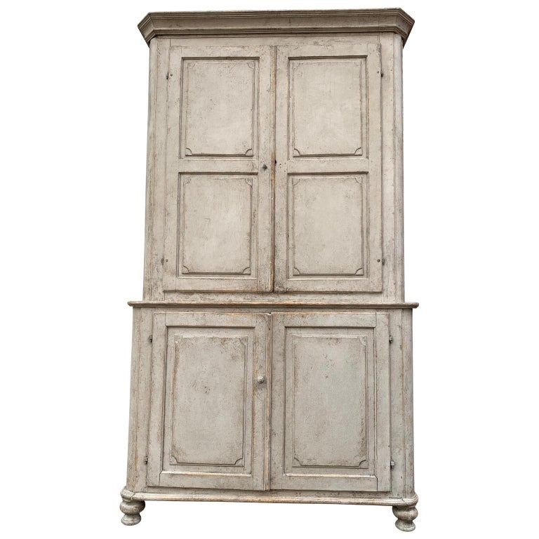 Hand-Painted Gray Painted Gustavian Two-Piece Cabinet or Cupboard, Sweden, Early 19th Century For Sale