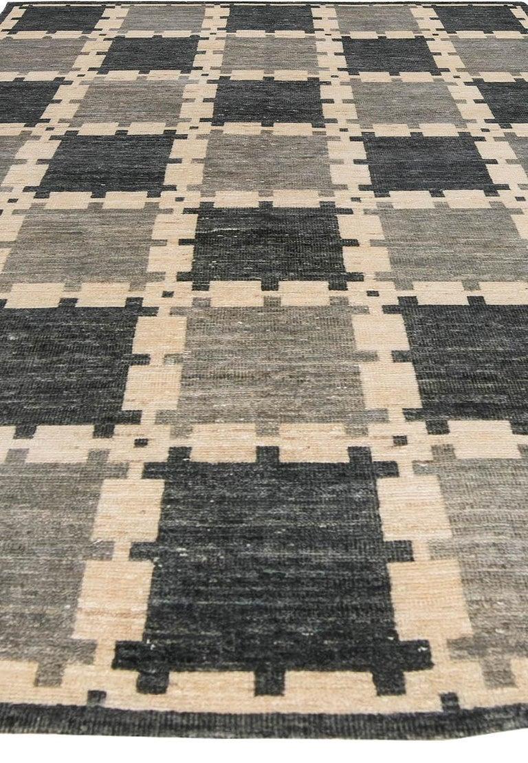 Indian Gray Swedish Geometric Design Pile Rug For Sale