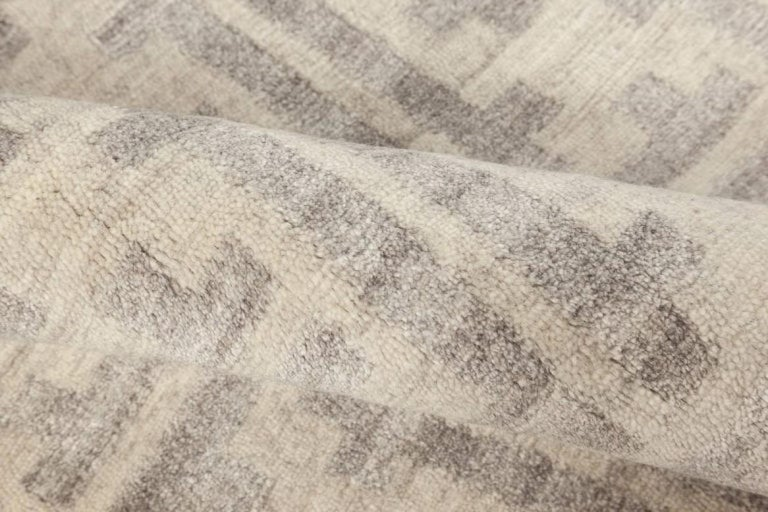 Gray Terra rug in natural wool Size: 8'0