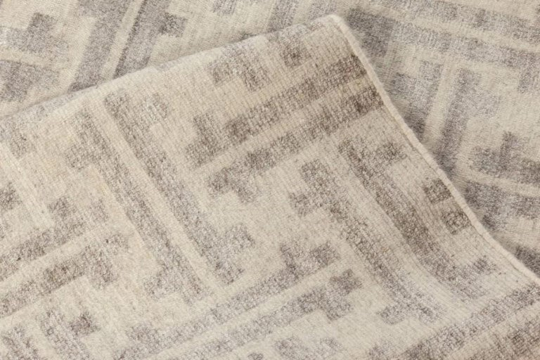 Modern Gray Terra Rug in Natural Wool For Sale