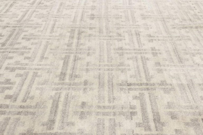 Hand-Knotted Gray Terra Rug in Natural Wool For Sale