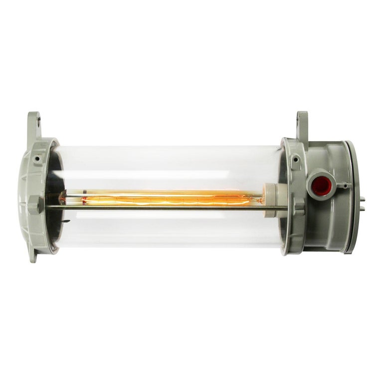 Tube industrial cast aluminum light. 