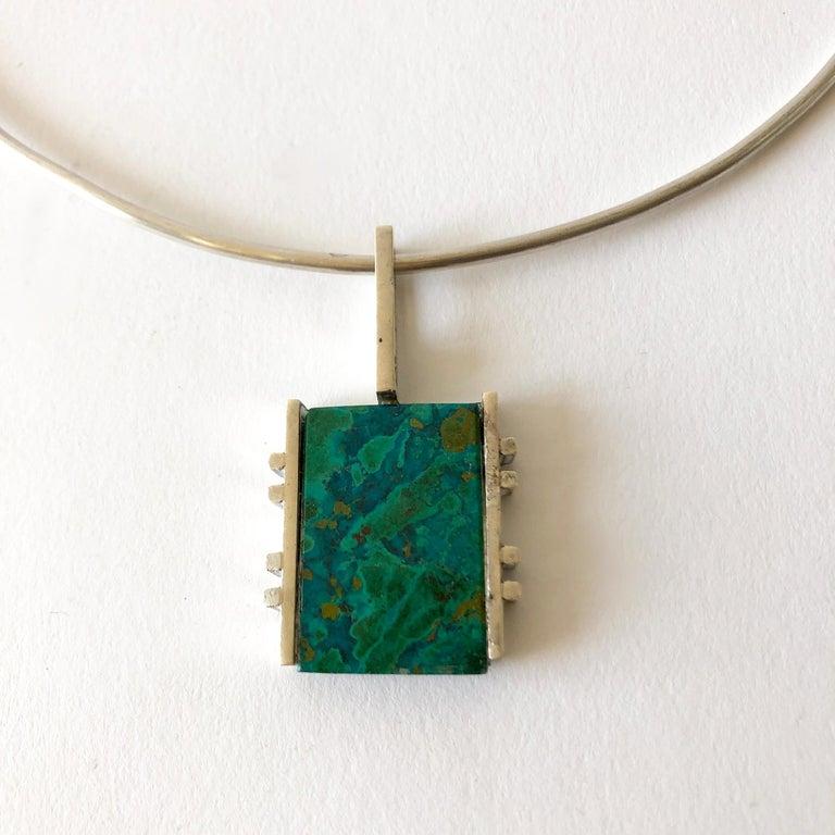 Graziella Laffi Sterling Silver Malachite Peruvian Modernist Pendant Necklace In Good Condition For Sale In Los Angeles, CA