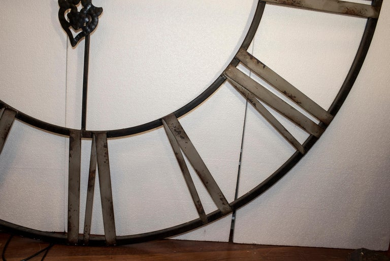 20th Century Black French Skeleton Clock in Aged Forging Iron For Sale 8