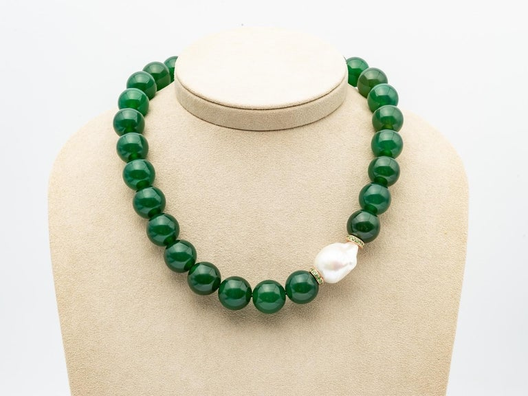 Green Agate Beads Necklace Accompanied by Baroque Pearl and 0.32 Ct of Tsavorite For Sale 2