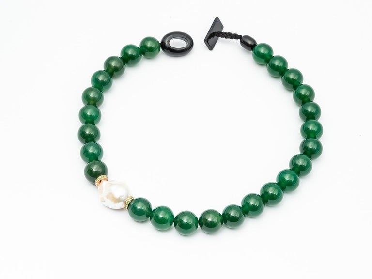 Green Agate Beads Necklace Accompanied by Baroque Pearl and 0.32 Ct of Tsavorite For Sale 3