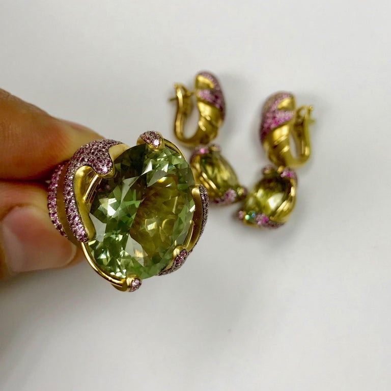 Oval Cut Green Amethyst Pink Sapphire 18 Karat Yellow Gold Ring For Sale