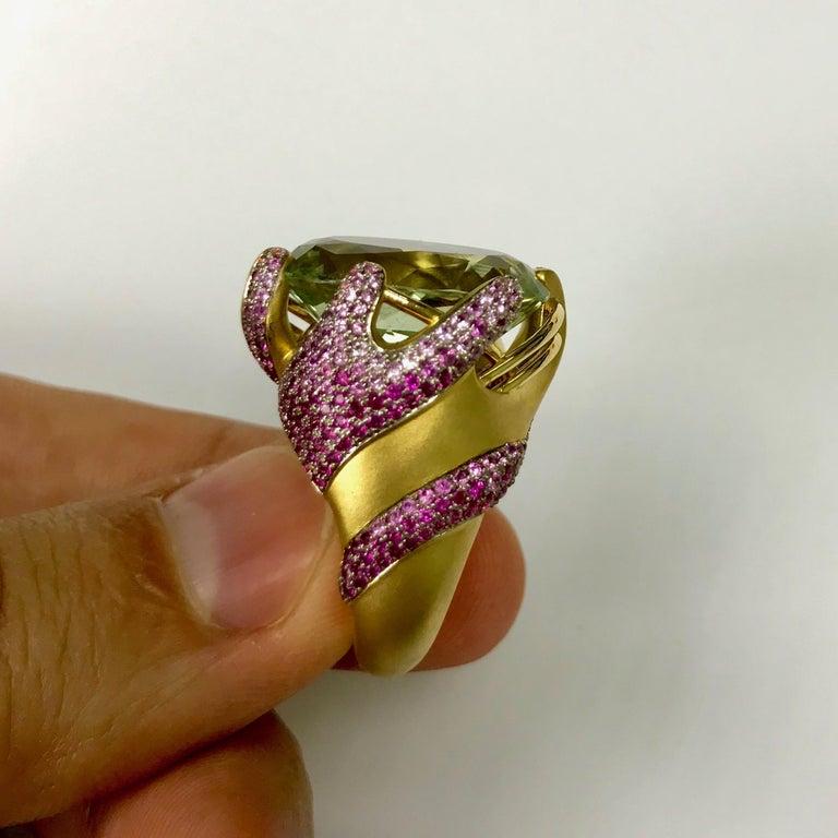 Women's Green Amethyst Pink Sapphire 18 Karat Yellow Gold Ring For Sale