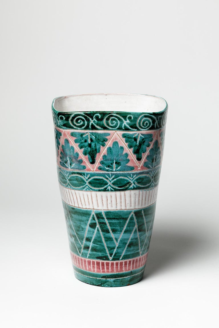 Green and White Mid-Century Design Ceramic Vase by Jean Derval & Picault 1950 In Excellent Condition For Sale In Neuilly-en- sancerre, FR