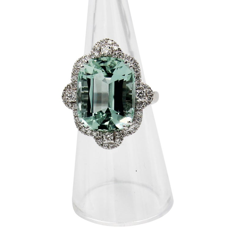 Modern Green Aquamarine Diamond 18 Karat White Gold Cocktail Ring For Sale