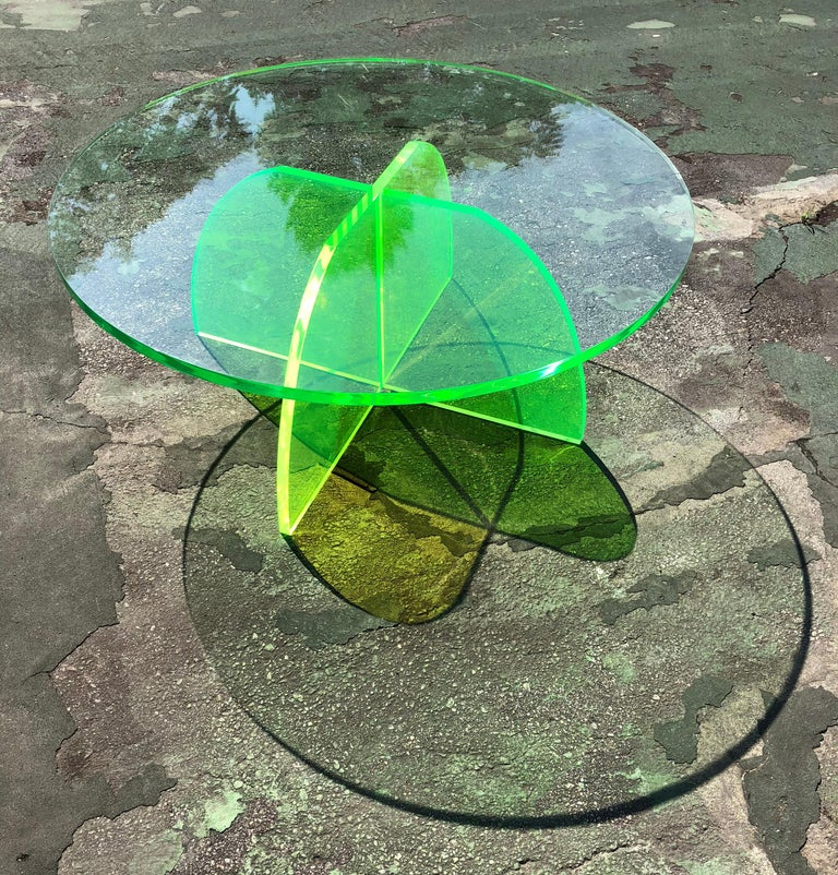 Modern Green Circular Acrylic Coffee Tables, Sheer by Carnevale Studio For Sale