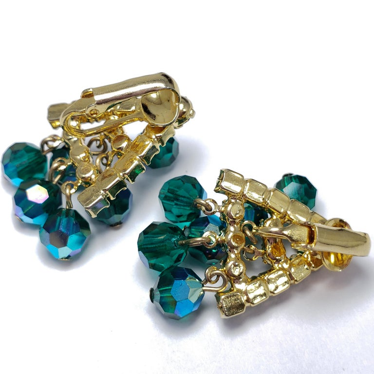 Retro Green Dangling Cluster Crystal Clip on Earrings in Gold, 1900s For Sale