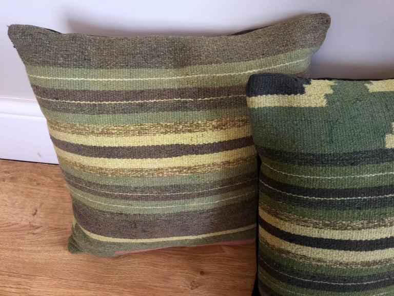 Green Decorative Pillows Handwoven Kilim Decorative Pillow Bench Cushion Cover In Excellent Condition For Sale In Hampshire, SO51 8BY
