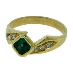 Green Emerald and Diamond Yellow Gold Ring