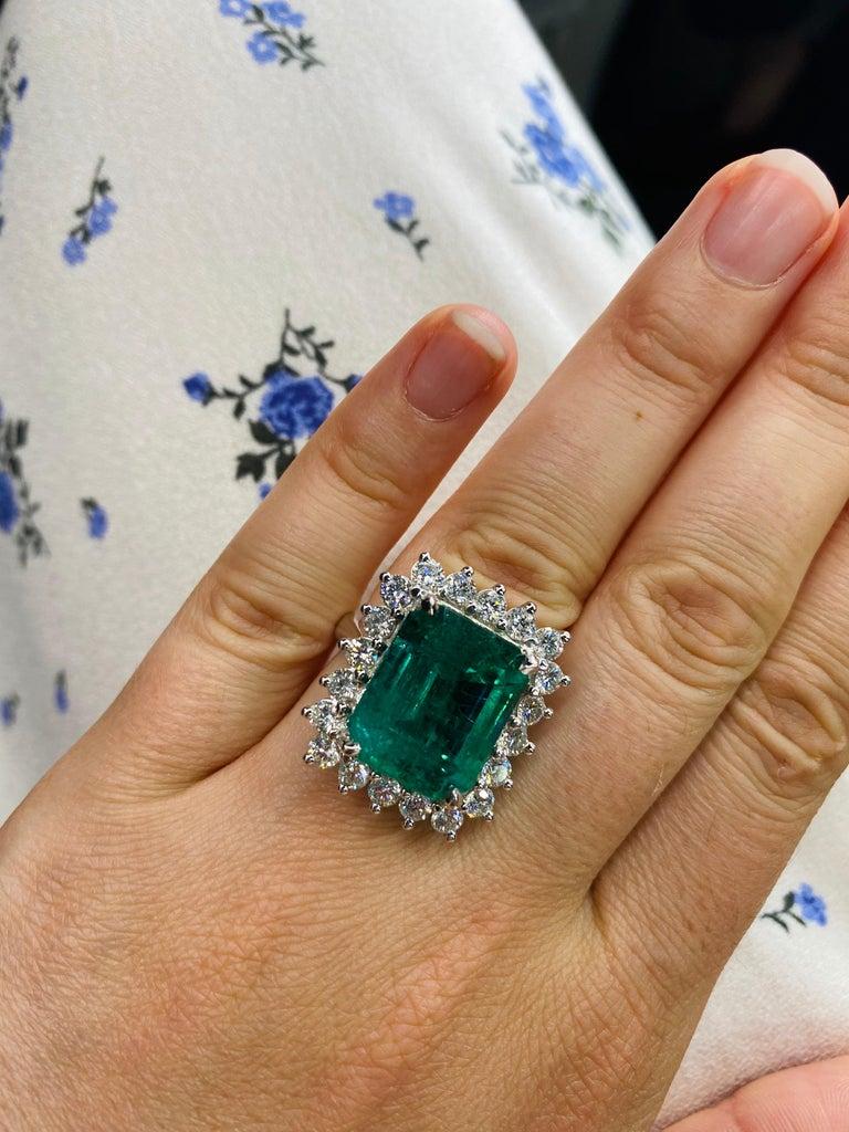 Green Emerald Cut Diamond Cocktail Ring 14.45 Carat 18 Karat White Gold For Sale 7