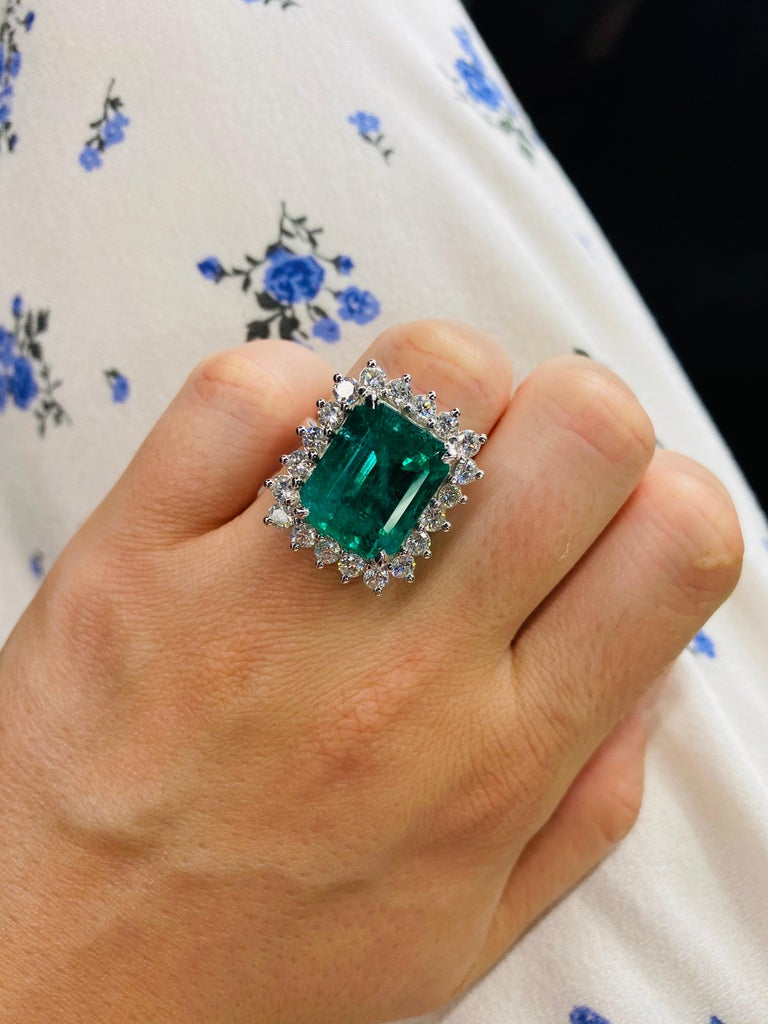 Green Emerald Cut Diamond Cocktail Ring 14.45 Carat 18 Karat White Gold In New Condition For Sale In New York, NY