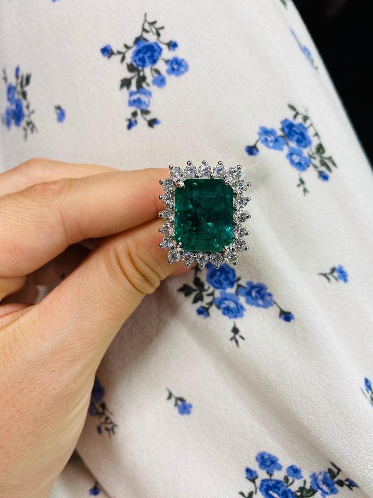 Green Emerald Cut Diamond Cocktail Ring 14.45 Carat 18 Karat White Gold For Sale 8