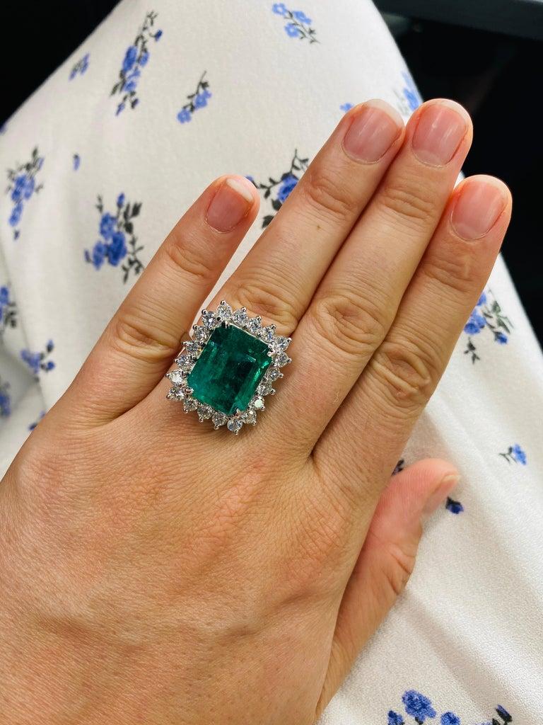 Green Emerald Cut Diamond Cocktail Ring 14.45 Carat 18 Karat White Gold For Sale 11