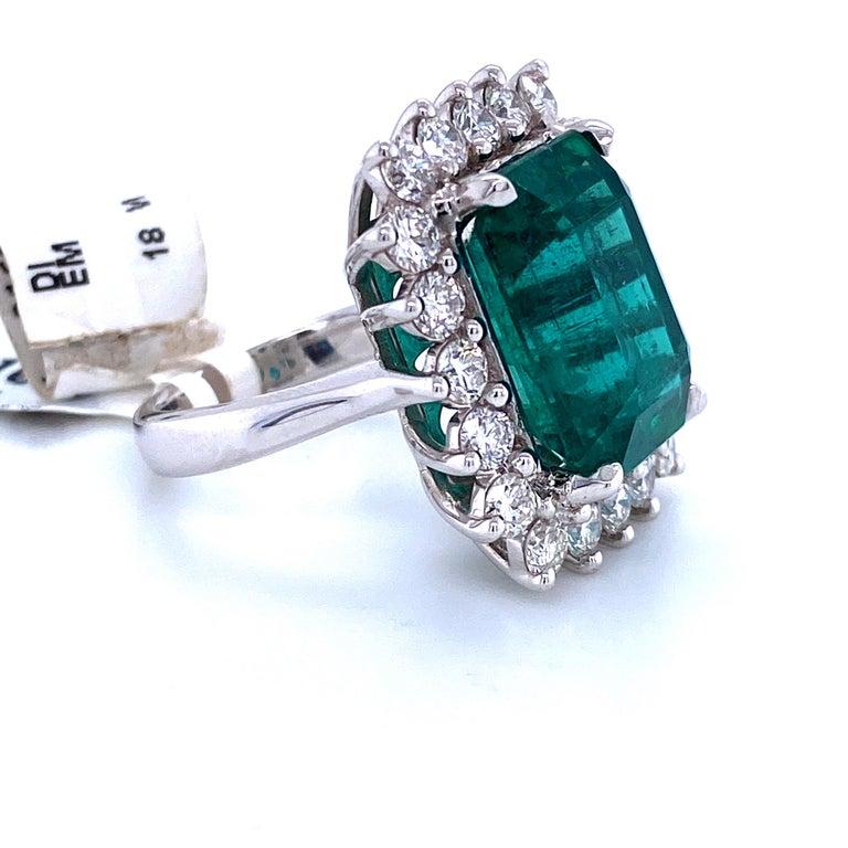 Women's Green Emerald Cut Diamond Cocktail Ring 14.45 Carat 18 Karat White Gold For Sale