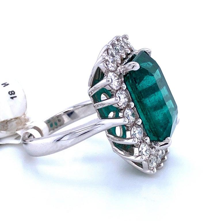 Green Emerald Cut Diamond Cocktail Ring 14.45 Carat 18 Karat White Gold For Sale 3
