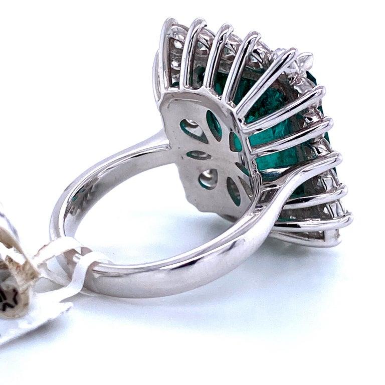 Green Emerald Cut Diamond Cocktail Ring 14.45 Carat 18 Karat White Gold For Sale 4