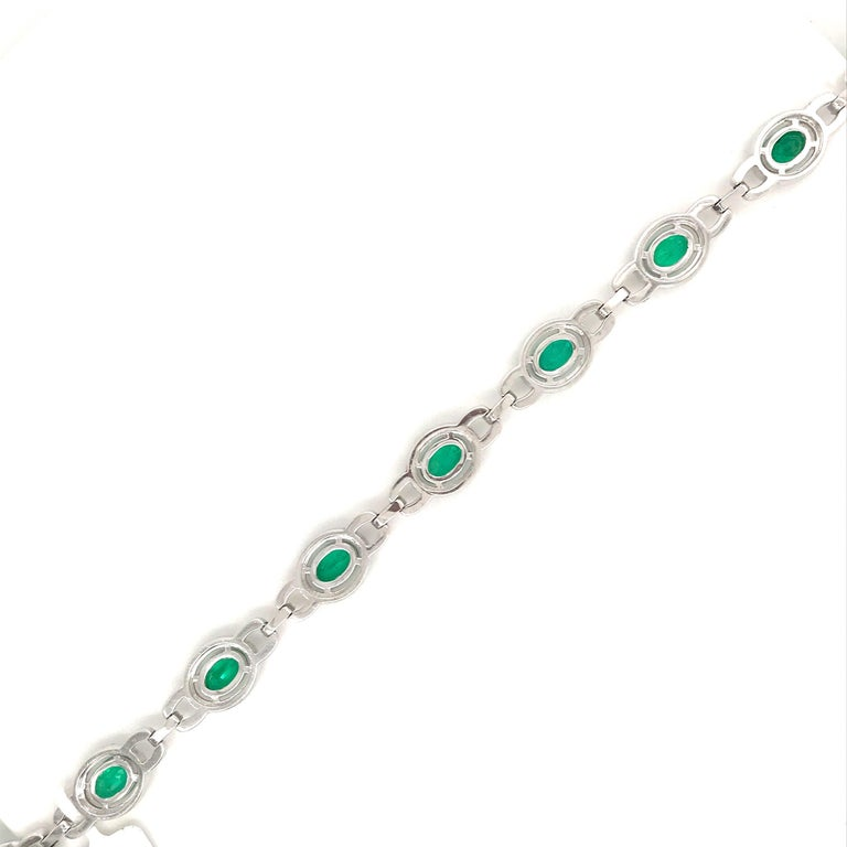 Green Emerald Diamond Link Tennis Bracelet 9.04 Carat 18 Karat White Gold In New Condition For Sale In New York, NY