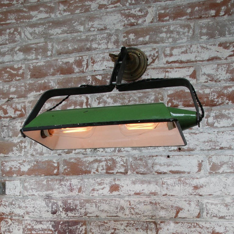 Green Enamel Vintage Industrial Adjustable Arm Wall Lights Scones In Good Condition For Sale In Amsterdam, NL