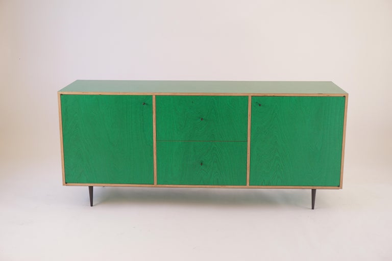 Green Finn-Ply Cabinet with Bronze Pulls and Turned Bronze Legs For Sale 2