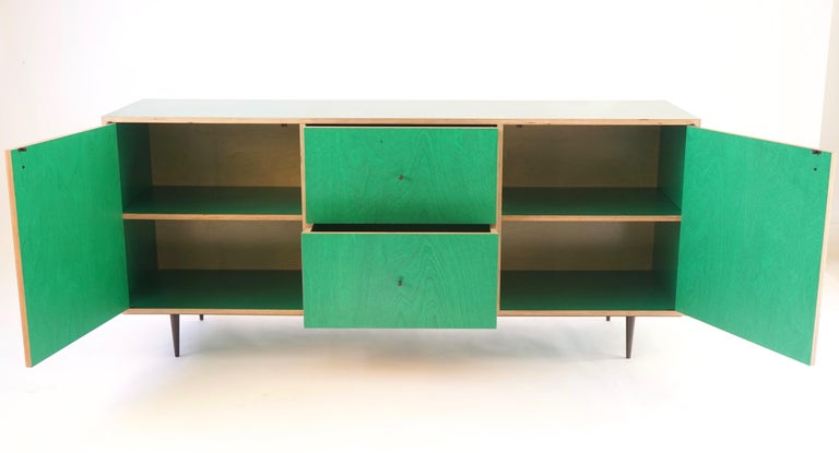 Green Finn-Ply Cabinet with Bronze Pulls and Turned Bronze Legs For Sale 4