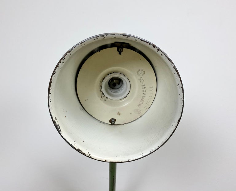 Green Industrial Table Lamp, 1960s For Sale 7