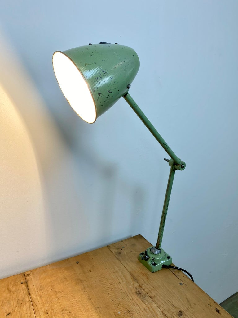 Green Industrial Table Lamp, 1960s For Sale 9